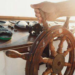 Konserwacja jachtu zimą – naprawy szkutnicze