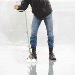Wędkowanie zimą na Mazurach