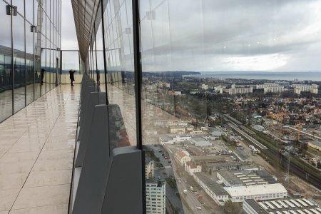 Taras widokowy na 32 piętrze Olivia Star