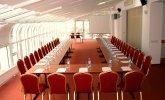 Sala konferencyjna z widokiem na morze