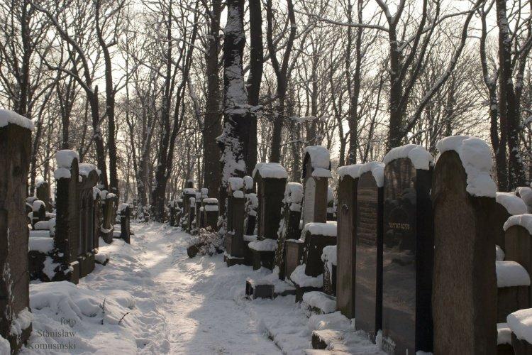 Zima/CmentarzydowskiCRW_0640_s.jpg
