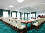 Zielona sala konferencyjna - konferencje na Mazurach - Hotel Robert's Port